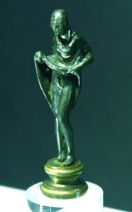 Aphroditus statue. – Image source: http://upload.wikimedia.org/wikipedia/commons/7/74/Afrodito_-_Museo_Arqueol%C3%B3gico_de_Alicante_MARQ_-_La_belleza_del_cuerpo.JPG.