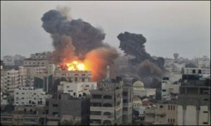 Behold the distruction. – Image source: http://images.geo.tv/updates_pics/IsraelijetstrikesGhaza_7-7-2014_153004_l.jpg.