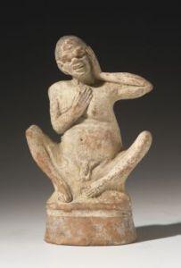 The Beggar. Terracotta statue, Heidelberg. – Image source: http://www.landesmuseum-trier.de/lib/05_Ausstellungen/armut/hd_28-18_a.jpg.