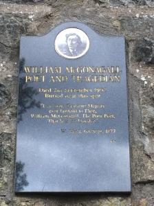 Plaque for Wm. McGonagall. – Photo: (c) PK, July 2015.